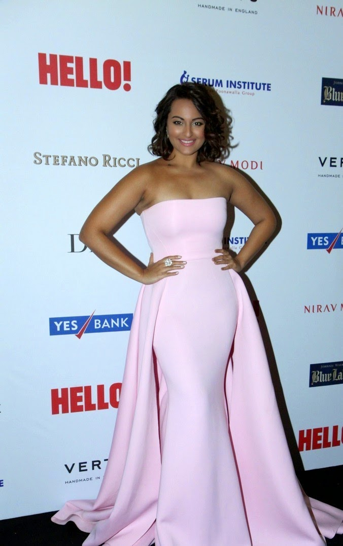 Sonakshi Sinha in a Shoulder less Sleeveless Long Pink Gown